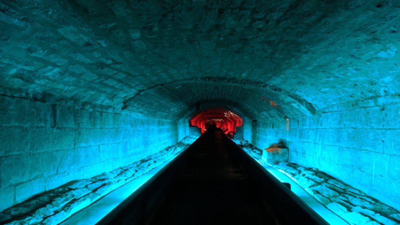 海底 トンネル 作り方 海底トンネルに潜入!東京湾アクアライン裏側探検